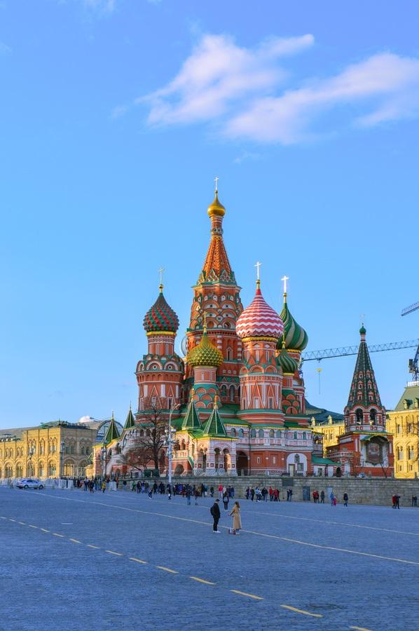 كاتدرائية القديس باسيل روسيا بالعربية